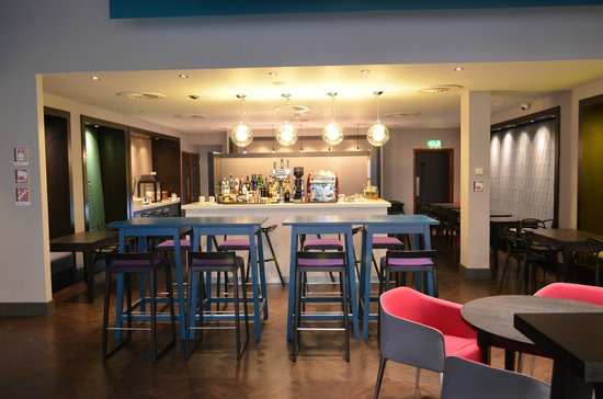 Ibis Styles Liverpool Centre Dale Street: Bar/Dining area