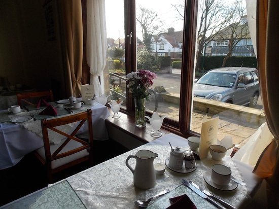 The Firs: breakfast in the dining room