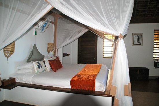 Matemwe Lodge, Asilia Africa: the bed