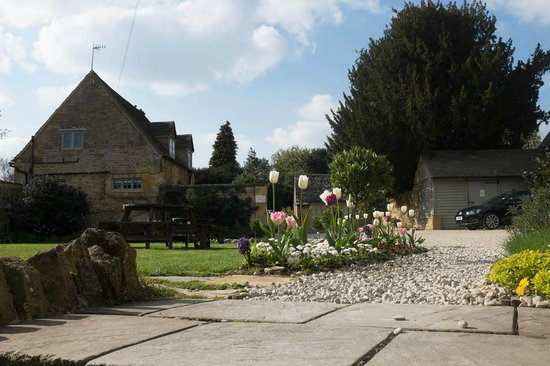 The Kings Hotel Chipping Campden: Cottages at the Kings