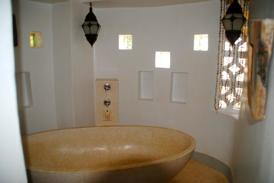 Matemwe Lodge, Asilia Africa: bathtub area