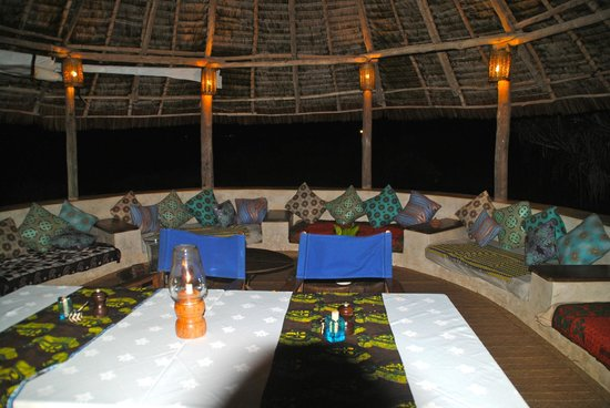 Matemwe Lodge, Asilia Africa : dining area lounge