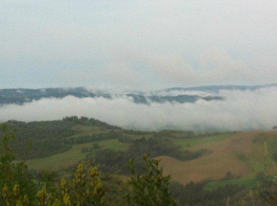 Agriturismo La Casella : Panorama di mattina presto