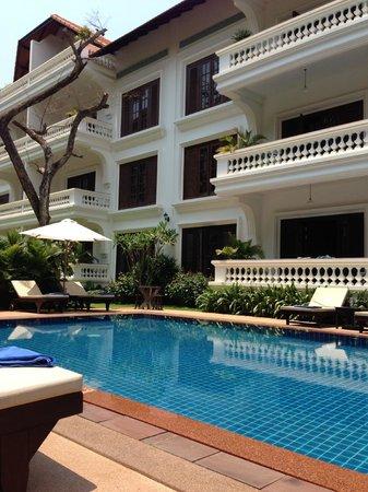 Chateau d'Angkor La Residence: Pool Area