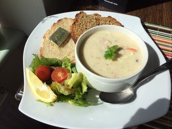 Boardwalk Cafe and Bar: seafood Chowder