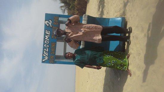 Laico Atlantic Banjul Hotel: Samba and Awa fruit lady