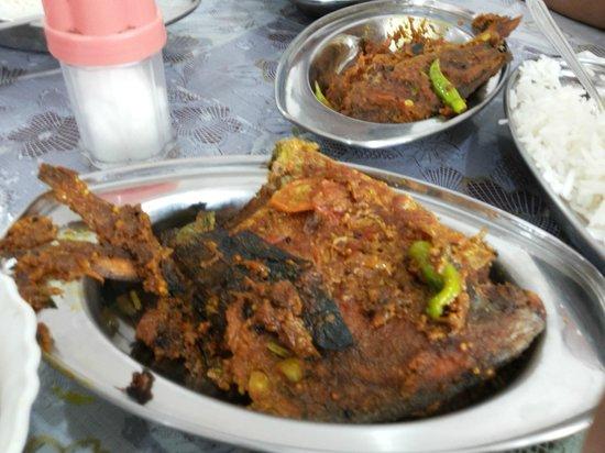 Bombay Beach Resort: Food