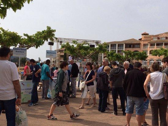 Pierre & Vacances Resort Cap Esterel: Le forum des sports. Un choix à profusion de sports et loisirs : golf, tennis, quad, mini club t