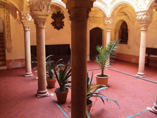 Colegiata de Osuna: Otra vista de un patio interior de la Colegiata.