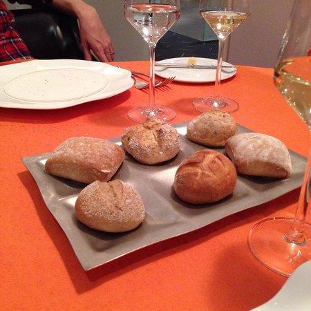Restaurant Didier de Courten: Bread offered by the restaurant