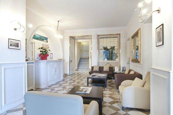 Hotel Metropole Bellagio: Hall