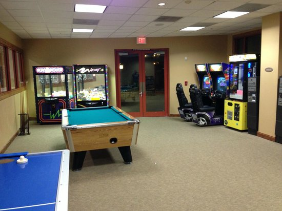 Hyatt Wild Oak Ranch : Game Room showing billiards (Inside Activity Center)