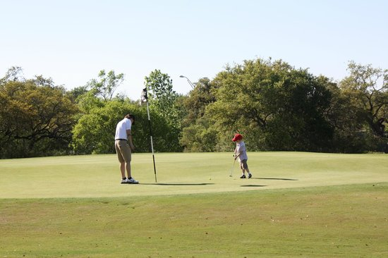 Hyatt Wild Oak Ranch : Family Express Golf Course (Me and V)