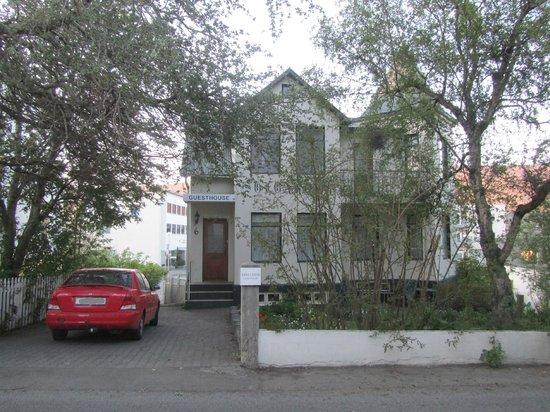 Solgardar Guesthouse