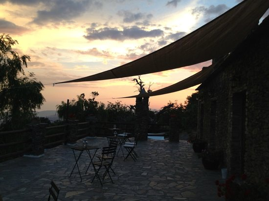 El Cielo de Canar: Evening on the Terrace