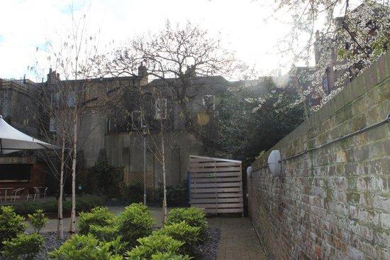 Point A Hotel, London Liverpool Street: il giardino