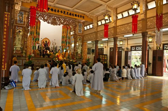 Long Son Pagoda : Молитва