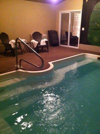 Belamere Suites: Private pool