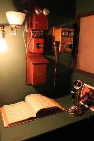 Spadina Museum: Telephone nook-where's Carson ?