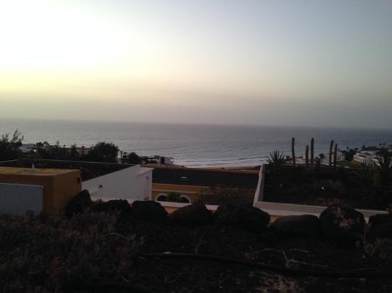 Ambar Beach Resort & Spa: Blick von der Terasse aufs Meer, Sonnenaufgang