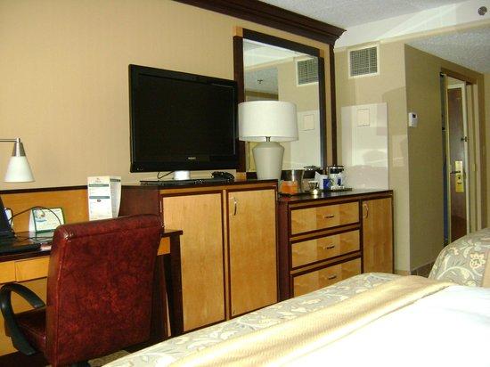 Hilton Wilmington / Christiana: Room TV