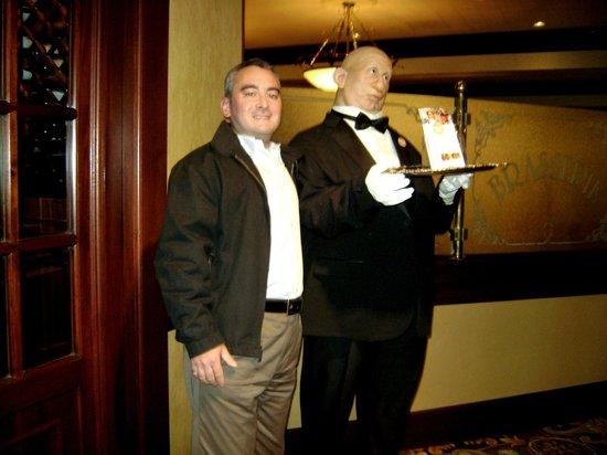 Hilton Wilmington / Christiana: Wax barman