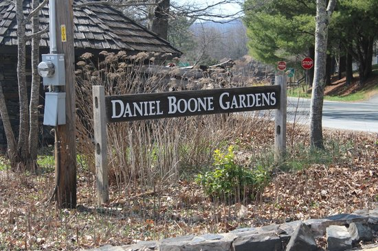 ‪Daniel Boone Native Gardens‬