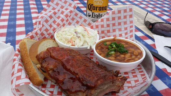Lil' Piggy's Bar-B-Q: Prefect portion at great price