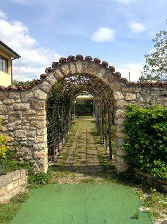 Antica Osteria della Noce : Gardens