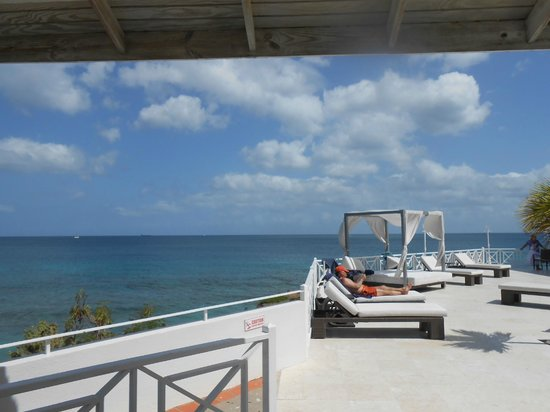 Grenadian by Rex Resorts: pool area overlooking beach and sea