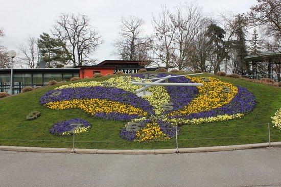 Genfer See: Цветочные часы, Женева