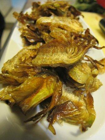 Imprevist Restaurant: Sugerencia del día ( Chips crujientes de alcachofas)