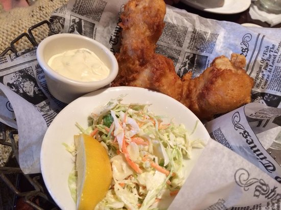 Village Tavern Pembroke Pines: Fish and chips -awesome