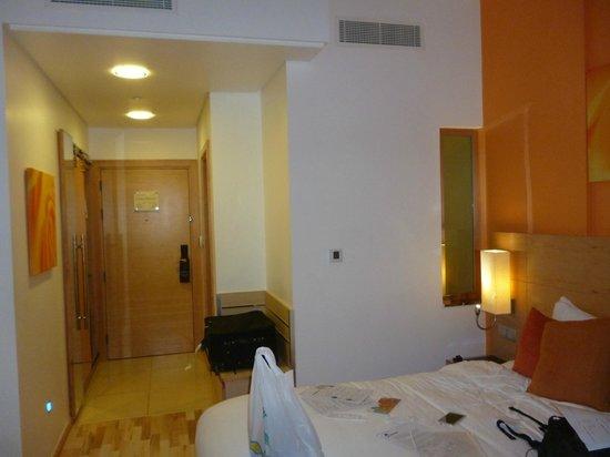 Al Khoory Executive Hotel – Al Wasl: Chambre agréable