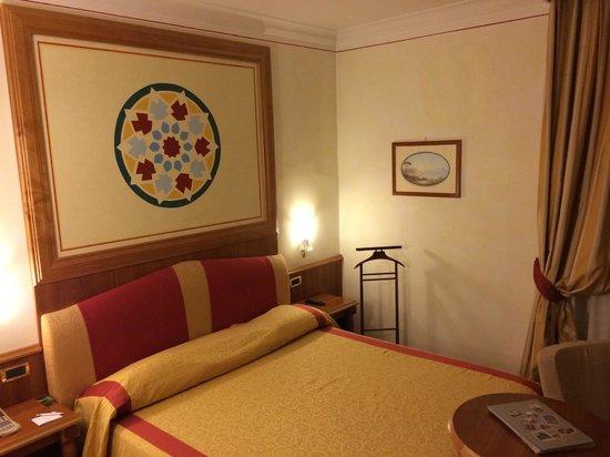 Renaissance Naples Hotel Mediterraneo: Camera