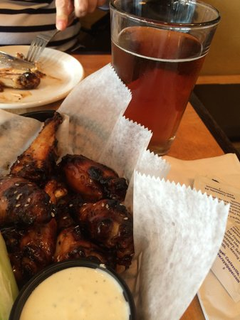Fardowners Restaurant : The wings were some of the best I've had