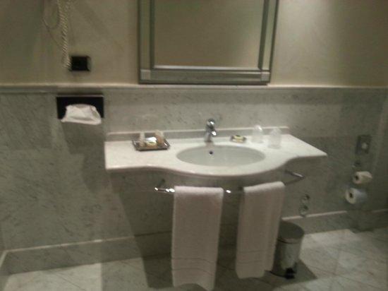 Grand Hotel Duca di Mantova: bagno