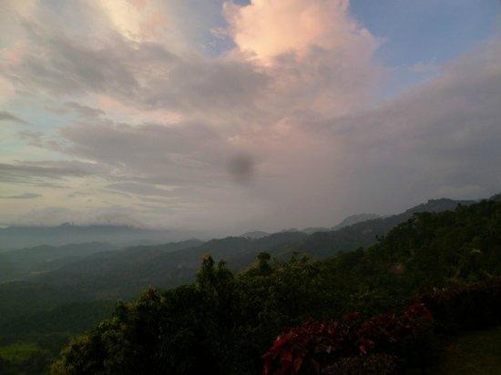 Green View Holiday Resort: Aussicht von der kleinen Terrasse des Zimmers in das Tal