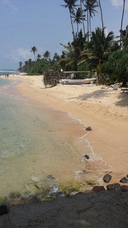 Beach Inns: The private beach