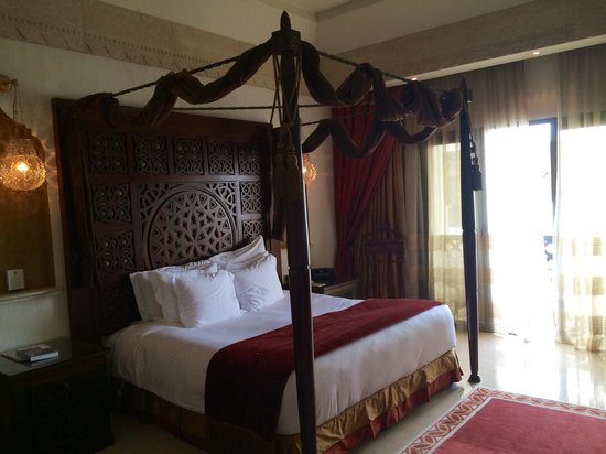 Sharq Village & Spa : room