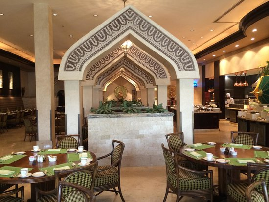 Sharq Village & Spa : breakfast