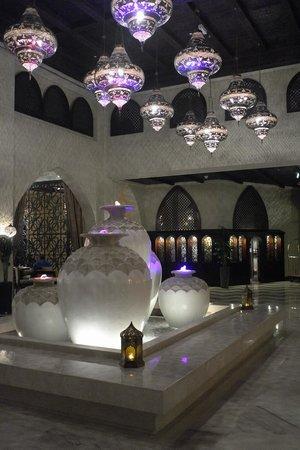 Tilal Liwa Hotel: Reception area