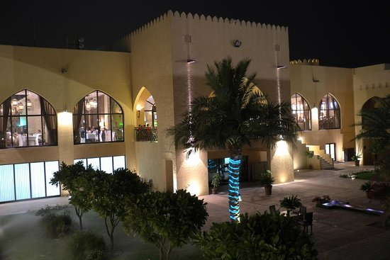Tilal Liwa Hotel: View from our room to the left