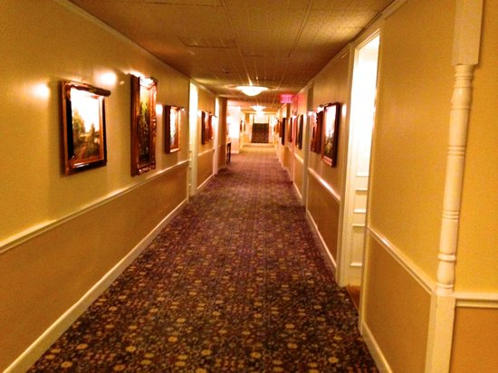 The Driskill : Hallway on 4th Floor