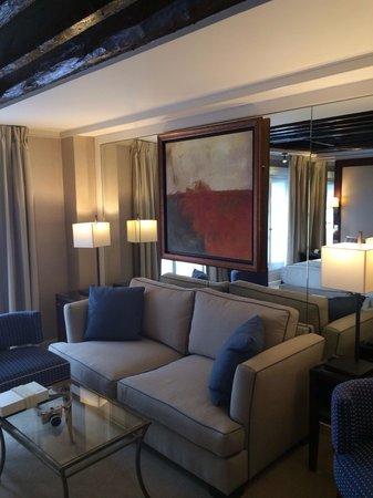 BEST WESTERN Hotel Folkestone Opera: 広いお部屋にはソファも!