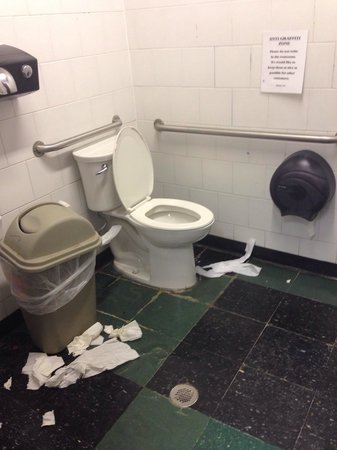 Gino's East: Women's bathroom