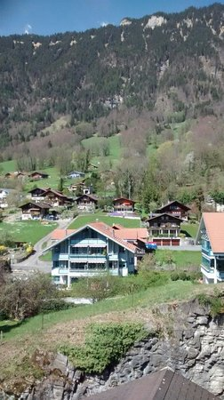 Hotel Brienzersee : Mountain view