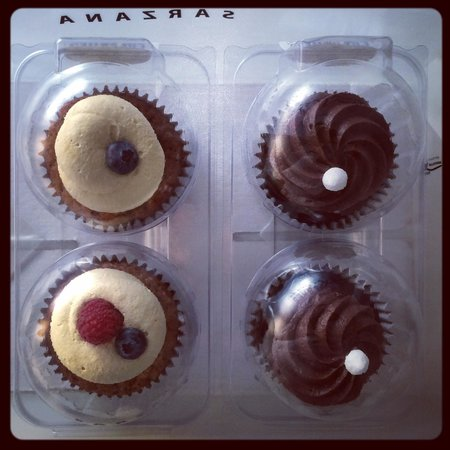 Le Cupcakes di Melissa: Frutti di bosco e cioccolato pronti per viaggiare!