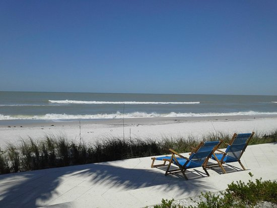 Naples Beach Hotel and Golf Club: Placid, pristine beach front -- heaven!