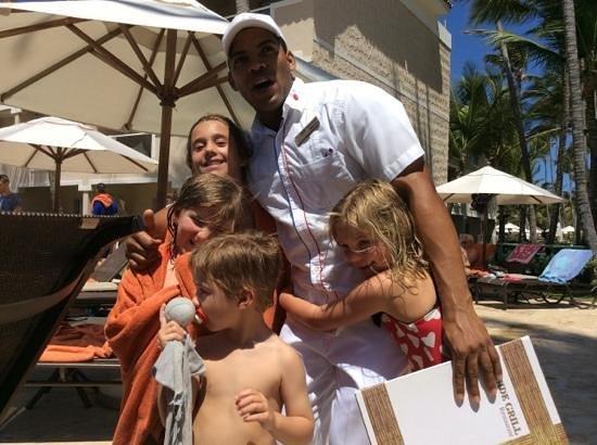 Dreams Palm Beach Punta Cana : Carlos and the kids
